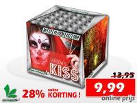 Widow's Kiss - Deze 36 schots cake van Essentials bestel je online met 28% korting bij de vuurwerkwinkel van Xena Vuurwerk in Ede