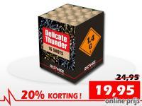 Topcake van RedWire met grote blauwe boeketten en gold glitter. Online met korting te bestellen bij Xena Vuurwerk in Ede