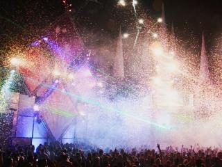 Xena vuurwerk uit Ede verzorgt Special Effects op evenementen, concerten, bedrijfsfeesten, bruiloften en sportevenementen