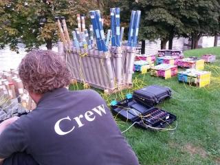 De vuurwerkshows van Xena Vuurwerk worden afgestoken door gecertificeerde pyrotechnici en crewleden