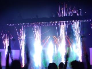 PSE vuurwerkeffecten worden door Xena Vuurwerk toegepast op binnenlocaties bij concerten, musicals, gala's of productpresentatie
