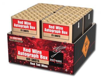 Compound cakebox van RedWire met rode boeketten en megafinale. Verkrijgbaar bij Xena Vuurwerk in Ede